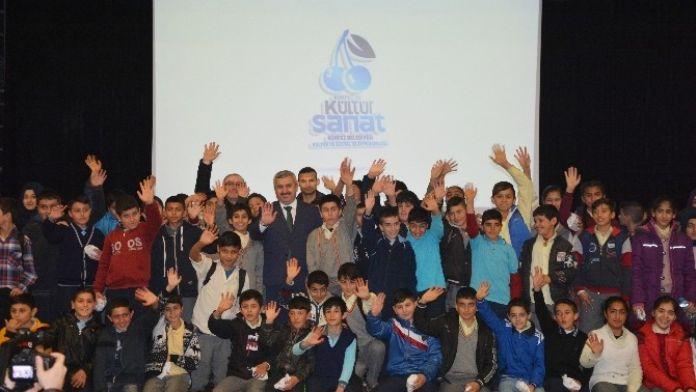 Başkan Baran, Öğrenciler İle Birlikte Film İzledi