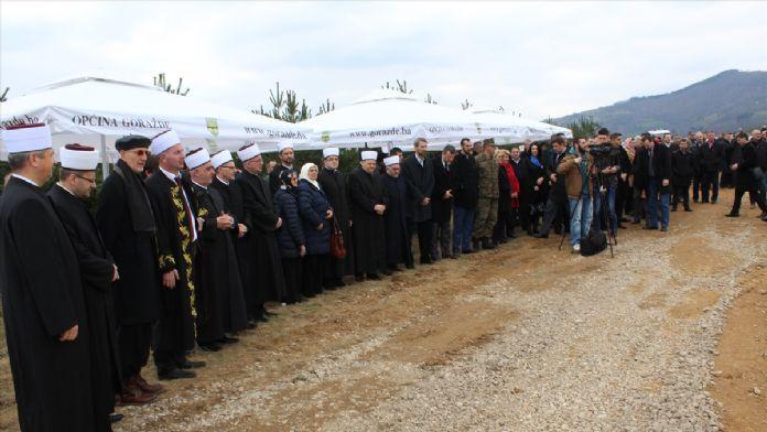 Srebrenitsa soykırımı kurbanları için hatıra ormanı