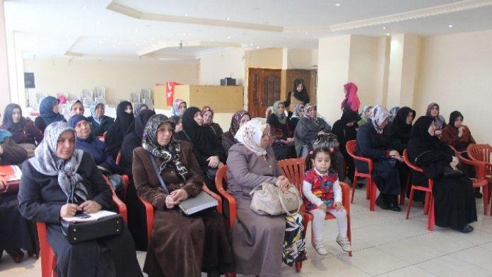 Saadet Partisi Kadın Kolları Genel Başkanı Ebru Asiltürk: