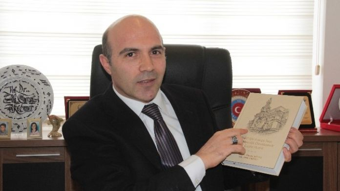 Prof. Dr. Ali Murat Aktemur, 'Bakü'deki Avrupa Tarzı Sivil Mimarlık Örneklerinde Cephe Düzeni' Adlı Kitabını Çıkardı