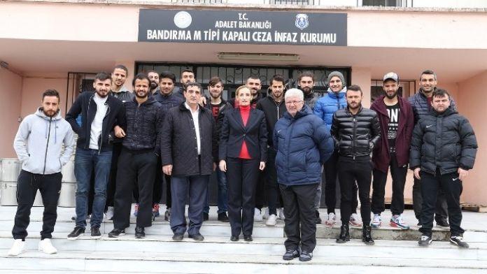 Bandırmaspor Cezaevini Ziyaret Etti