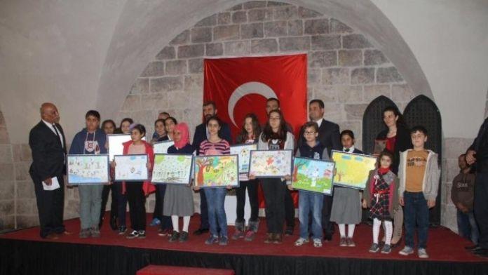 Payas'ta 'Çocukların Gözünden Arı' Temalı Resim Yarışması