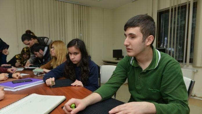 Bizim Ev'de Braille Alfabesi Kursu