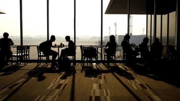 Seyahat Analisti Ekinay, Havalimanlarında Rahat Etmenin Püf Noktalarını Açıkladı