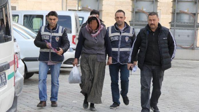 Levha Hırsızlığına Tutuklama