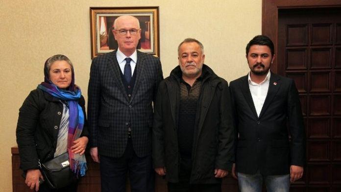 Başkan Kurt, Ali İsmail'in Ailesini Ağırladı