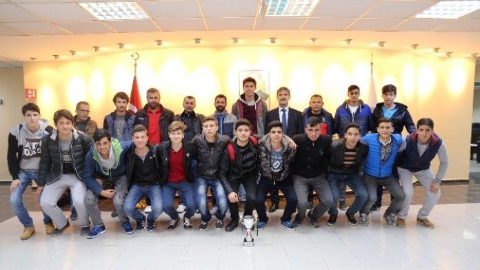 Başkan Şirin U17 Futbol Takımı'na Başarılar Diledi