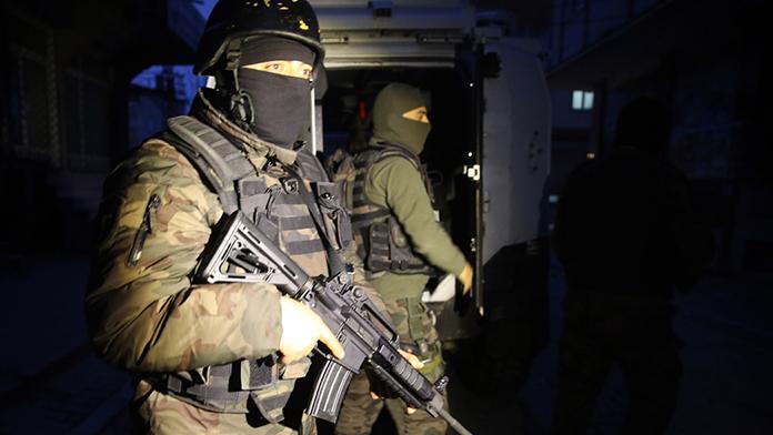 Teröristler sivilleri böyle kalkan yaptı!