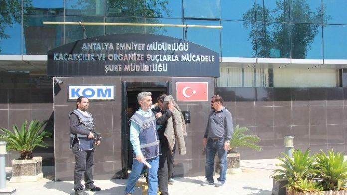 Antalya'da Uyuşturucu Operasyonu: 4 Gözaltı