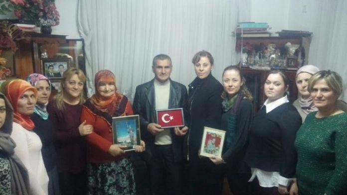 AK Parti Bartın Kadın Kollarından Şehit Ailelerine Ziyaret