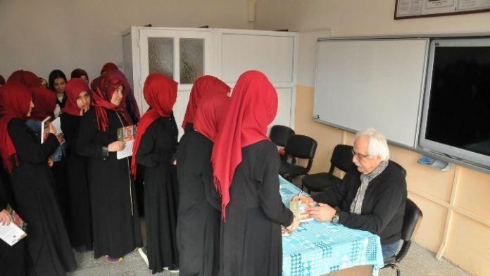 Yazar Bahadıroğlu Akşehir'de Öğrencilerle Buluştu