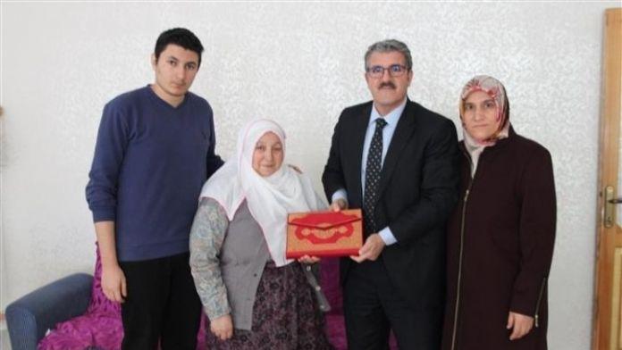 İŞKUR İl Müdürü Toman, Şehit Ailesini Ziyaret Etti