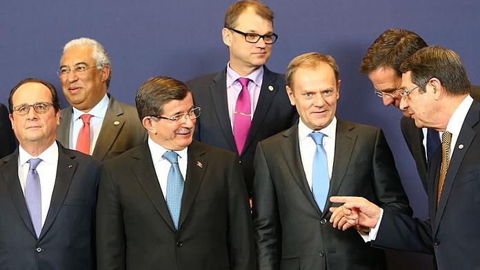 Davutoğlu, Tusk, Junker ve Rutte ile biraraya geldi