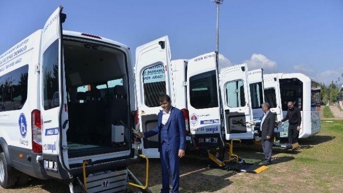 Büyükşehir Belediyesi, Engellilere Transfer Araçlarıyla Hizmet Veriyor