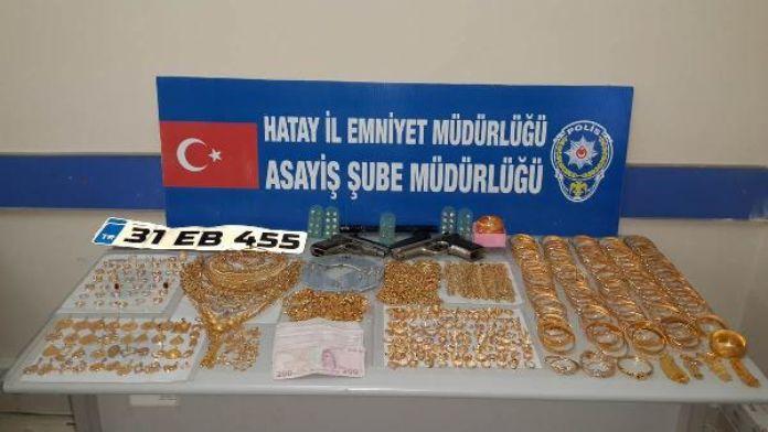 Kaçırdıkları Suriyeli kuyumcunun 3 kilo altınını gasp ettiler