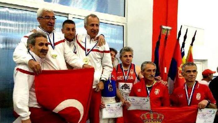Master atletlerimiz Balkanlar'ı fethetti