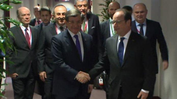 Davutoğlu, Hollande ile görüştü