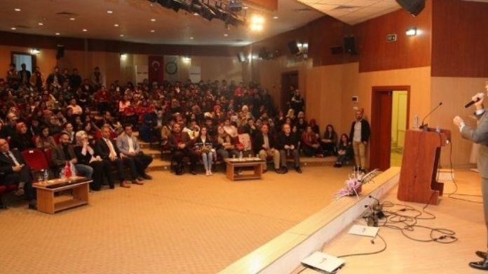 Iğdır'da 'Üniversitemizde Bedenimiz Konusuyor' Konferansı