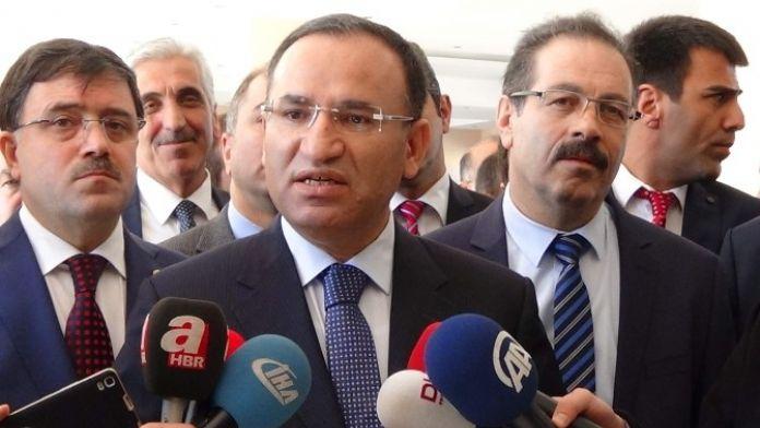 Bozdağ: 'Sayın Kılıçdaroğlu, Akademisyenlerin İmzaladığı Bildiriye İmza Atar Mı'