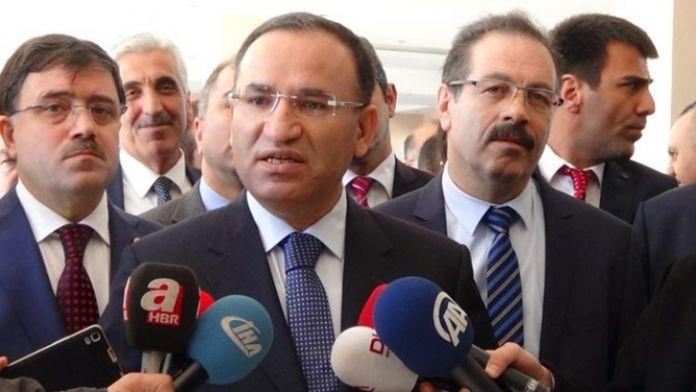 'Kılıçdaroğlu akademisyenlerin imzaladığı bildiriye imza atar mı ?'