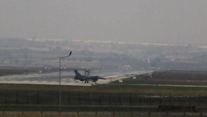Savaş uçakları PKK kamplarına yöneldi