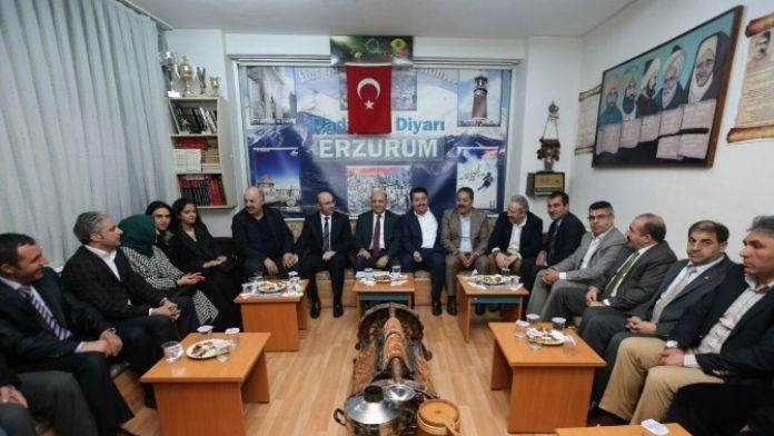 Bakan Işık Erzurumlular'a Konuk Oldu