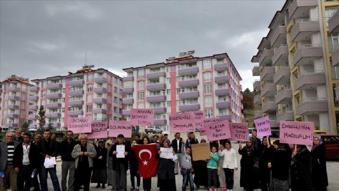 Site sakinlerinden 'dolandırıcılık' protestosu