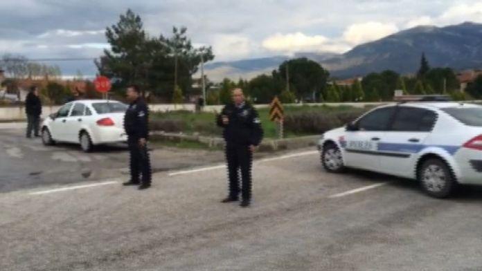 İzmir'de jandarma aracına silahlı saldırı: 1 asker yaralı