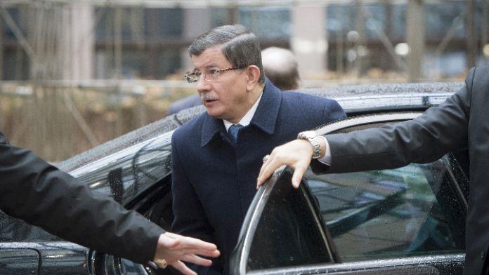 Davutoğlu, İçişleri Bakanı Efkan Ala ile görüştü