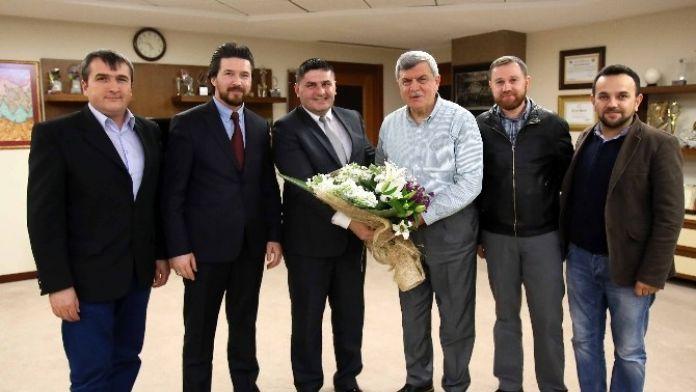 Başkan Karaosmanoğlu, 'Derneklerimiz Birliğimizin Simgesidir'