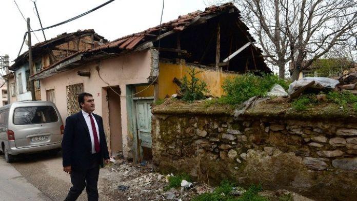 Bursa'da Harabe Tarihi Evler Eski Görkemine Kavuşuyor
