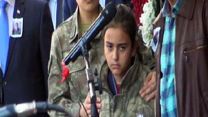 Şehit Uzman Çavuş Kurtoğlu'nu 5 bin kişi uğurladı/ Ek fotoğraflar
