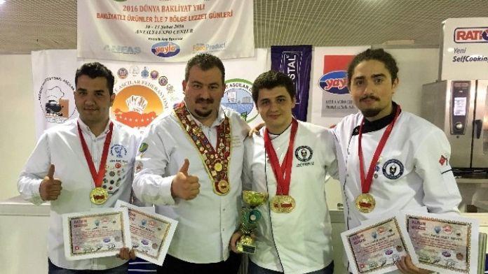 ADÜ'nün Genç Aşçıları 5 Altın Madalya Kazandı