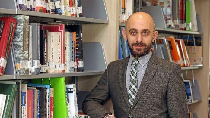 O Akademisyen Dünyada İngilizceye Yön Verecek 30 Lider Arasında