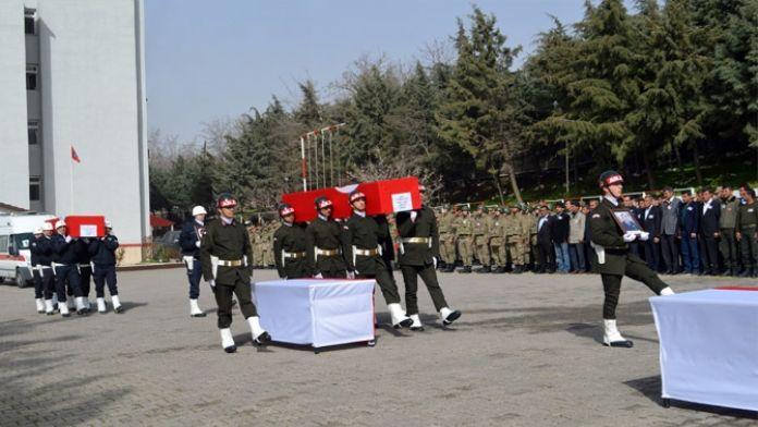 Şırnak şehitleri için tören düzenlendi
