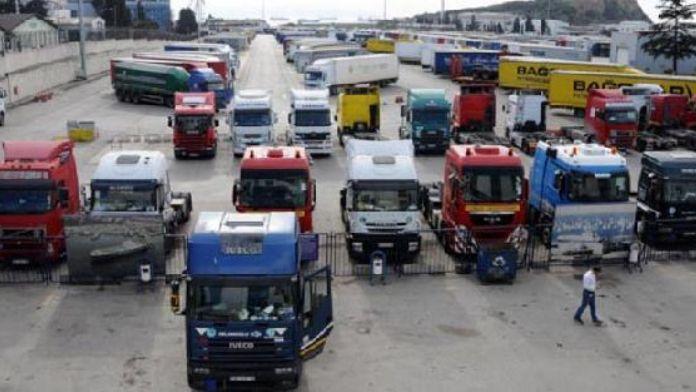 İzmir'de TIR'ların yarısının kontağı kapalı