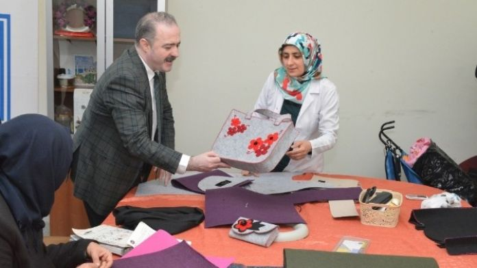 Tuşba Belediyesi'nden Kadınlar İçin Meslek Edindirme Kursları