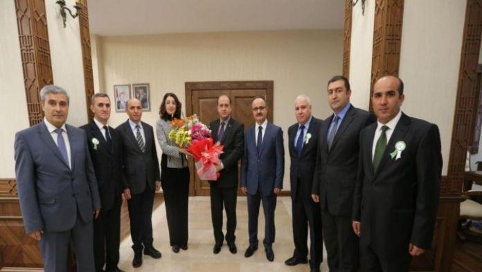 Amasya Obm Yöneticilerinden Vali Çomaktekin'e Ziyaret