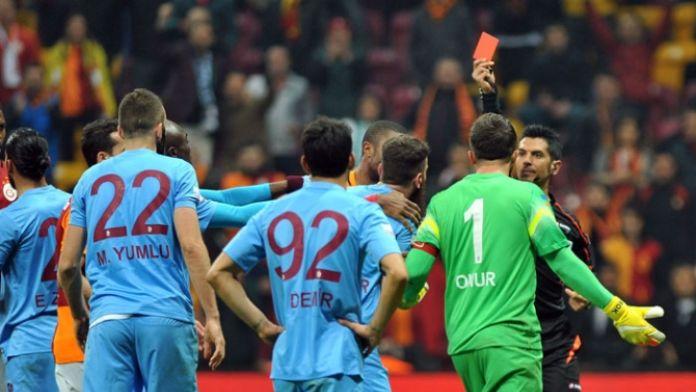 Olaylı maçın hakemi hakkında bahis iddiaları araştırılıyor