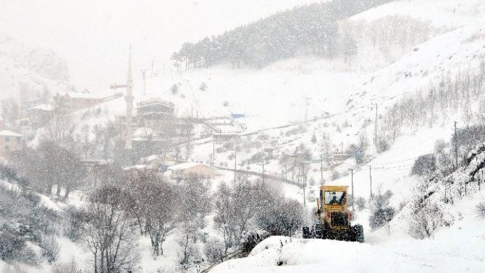 Gümüşhane'de 75 Köy Yolu Ulaşıma Kapandı