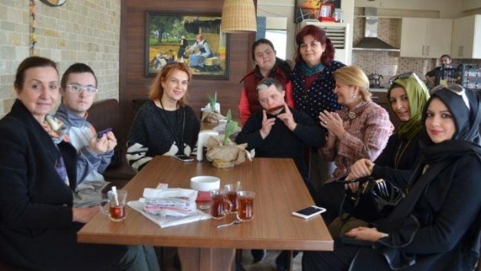 Nilüferli AK Kadınlar, Down Sendromlu Çocukları Unutmadı