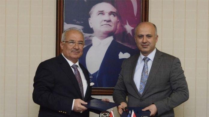 Mersin Büyükşehir Belediye İle MEÜ Arasında İşbirliği Protokolü İmzalandı