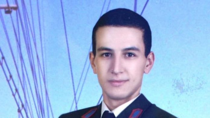 Jandarma Uzman Çavuş Emre Tunca'nın baba evine ateş düştü - ek fotoğraf