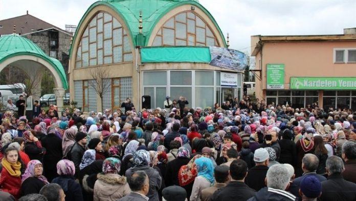 Çaycuma'da Umre Kafilesi Kutsal Topraklara Uğurlandı