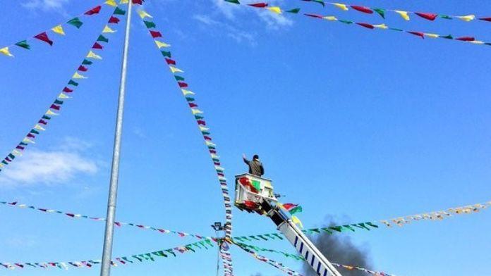 Amed Sporlu Deniz Naki, Peşmerge Kıyafeti İle Nevruz'a Katıldı