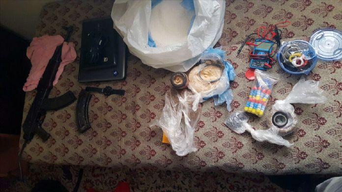 İzmir'deki polise silahlı ve bombalı saldırı