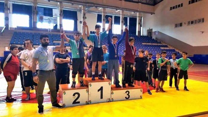 Aydın'ın Genç Güreşçileri Minderde Boy Gösterdi