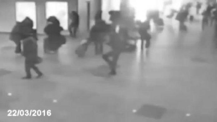 Brüksel Havalimanı'nda patlama anı böyle görüntülendi