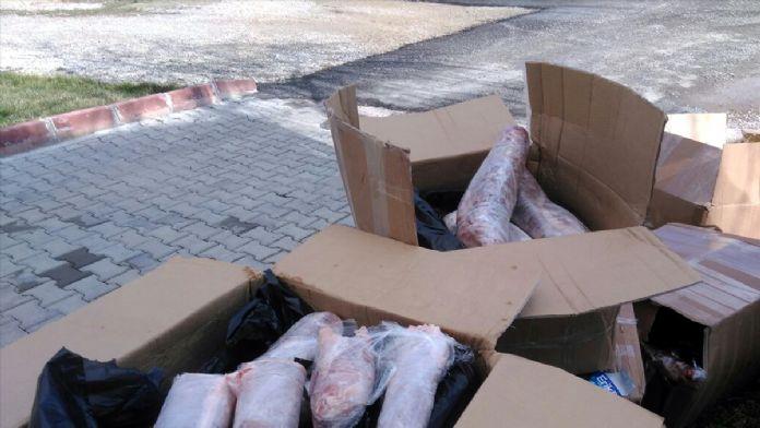 Yolcu otobüsünde 1 ton kaçak et ele geçirildi