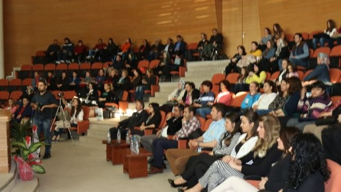 Akhisar'da Down Sendromlular Günüyle İlgili Konferans